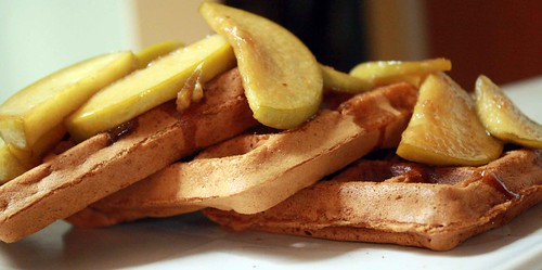 apple-ginger waffles with an gingered apples