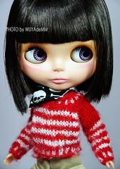 红白条纹毛衣