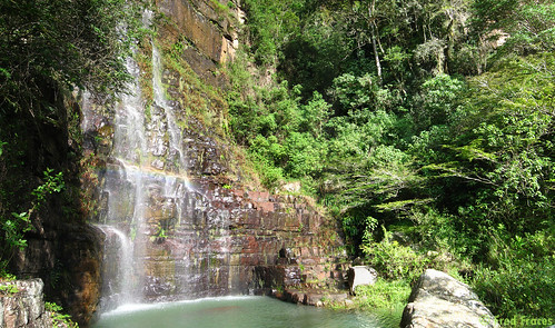 Cascada arco iris, Mesa de los Santos