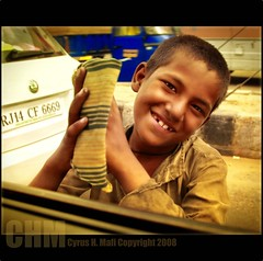 Hope! Agra India (CyrusMafi) Tags: poverty street india smile happy gold agra international hunger harmony amnesty doubledragon workingboy concordians theworldbestportraits flickrlovers novavitanewlife cyrusmafi
