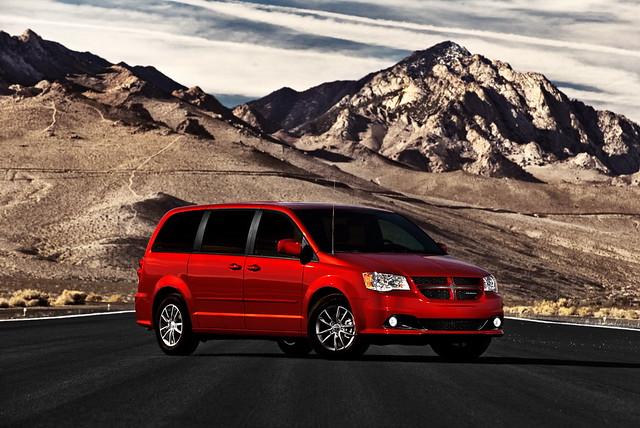 minivan chryslergroup 2011dodgegrandcaravan