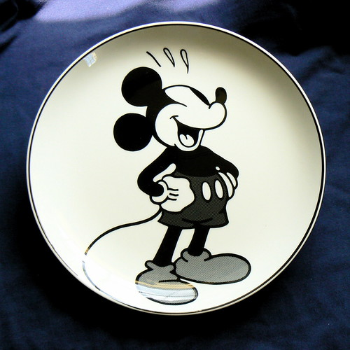 Axis Mickey Plate