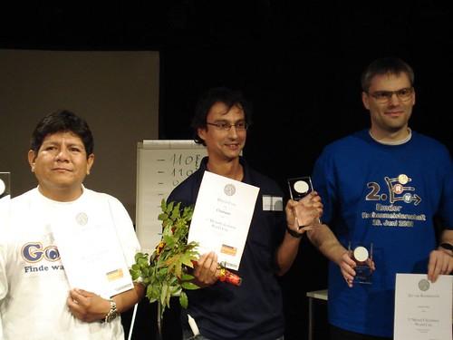 Alberto recibiendo el premio