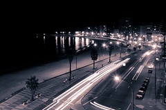 Rambla by night (Berenice Decados) Tags: city bw night uruguay noche ciudad clear montevideo rambla pocitos fotoganadorafuy regionwide