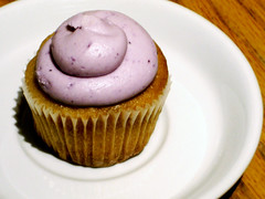 Blueberry-Lemon Cupcake