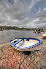 Banana boat (5ERG10) Tags: sunset sea sky sergio clouds port puerto islands boat spain nikon rope banana espana rowing mallorca hdr highdynamicrange majorca portandratx balearic d300 3xp baleari portdandratx sigma1020 dandratx portandraitx balleares puertoandratx amiti portoandratx 5erg10 puertoandraitx sergioamiti