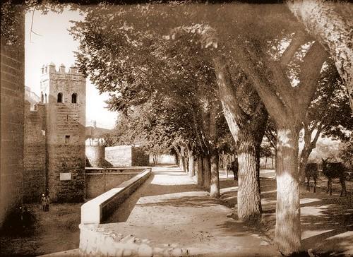 Aspecto del entorno de la Puerta de Alfonso VI antes de la remodelación de la zona