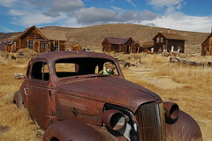 Old Car! (jubewong) Tags: bear old car rustic ghosttown easternsierra bodiestatepark