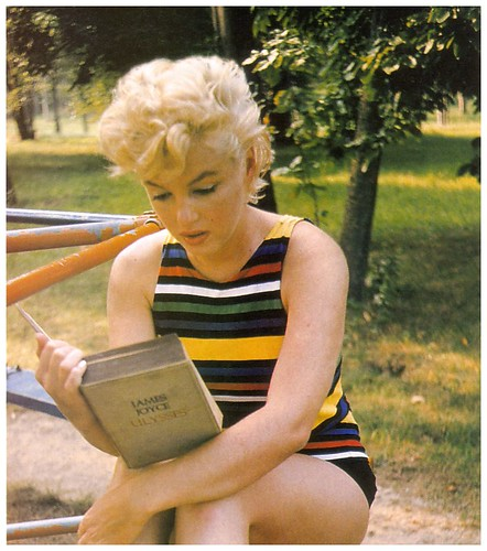 marilyn reading ulysses