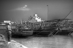 _MG_3015-5_-4_-3_-2_ (Alan Holden) Tags: sea people boat blackwhite harbour corniche hdr doha qatar dhow impei museumofislamicart
