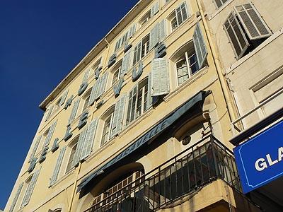 l'hôtel bellevue, Vieux Port.jpg