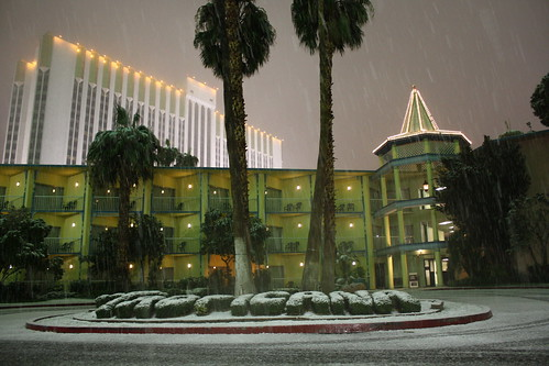 Snow! Tropicana- Las Vegas, NV by Twoleaf from Flickr