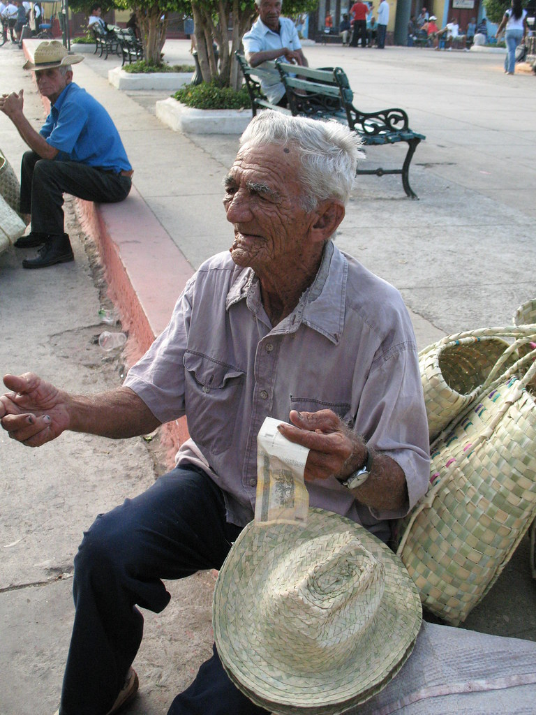 Cuba: fotos del acontecer diario - Página 6 3282479030_9408ced609_b