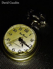 Past of time (David Cucaln) Tags: stilllife macro art clock photoshop 35mm vintage arte artistic watch olympus retro reloj bodegon fineartphotography e510 duotono rellotge 2011 duetone oldwatch digitalcameraclub cucalon relojantiguo davidcucalon