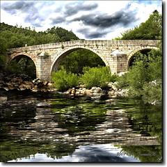 Garganta de los Caballeros (ATrenado) Tags: rio river puente cielo avila reflejos caballeros garganta canon30d castillaleon navalguijo ltytr2 ltytr1 theunforgettablepictures a3b