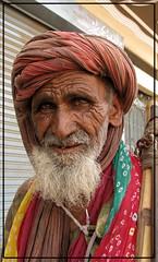 HOPE FOR THE BEST (S.M.Rafiq) Tags: pakistan hope devotees karachi sufi aplusphoto smrafiq