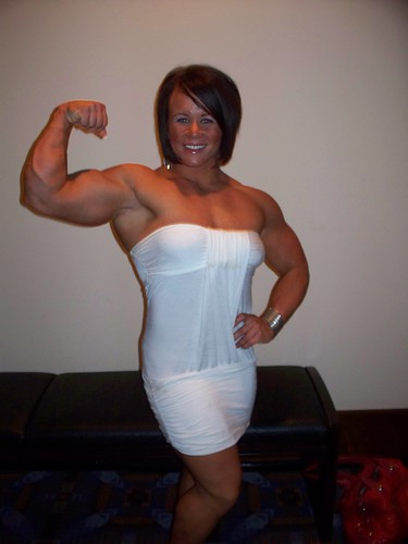 Aleesha Young Flexes In Dress At NPC Jr. Nationals
