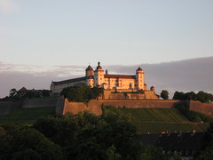 Festung Marienberg XV: first morning light (zug55) Tags: sunrise germany bayern deutschland bavaria vineyard wine franconia winery hm franken fortress middleages wrzburg festung marienberg festungmarienberg marienbergfortress hccity worldtrekker