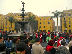 Peru celebrates Independence Day with fountain of booze [Featured]