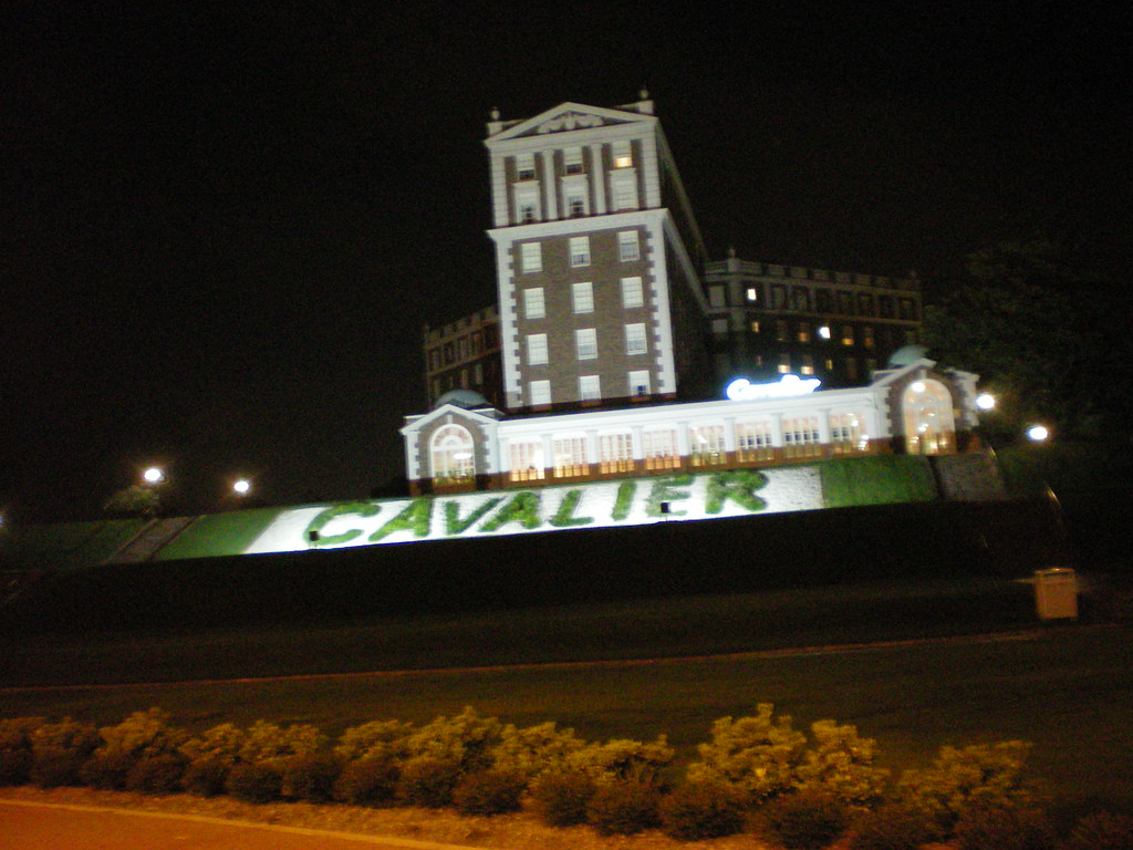 Historic Cavalier Hotel / Beach - Aug. 2008