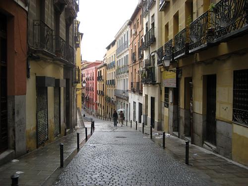 "Actual fotograph of the neighborhood of ""La Latina"""