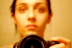 (Testadurasenzapaura) Tags: nikon toni colori viso specchio riflesso faccia d60 caldi spettro