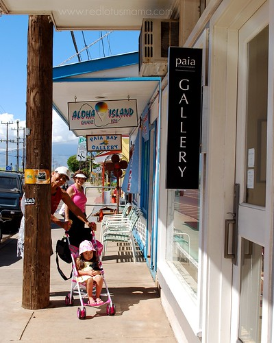 shopping in Paia