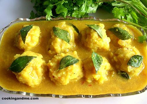 Paruppu Urundai Kuzhambu - Brahmin Kuzhambu Recipes