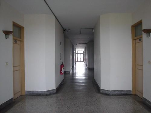 04.房間外的走廊