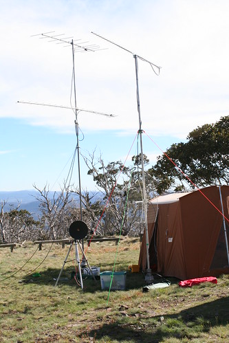 """6 band VHF/UHF/microwave station in Field Day contest • <a style=""""font-size:0.8em;"""" href=""""http://www.flickr.com/photos/10945956@N02/3048663646/"""" target=""""_blank"""">View on Flickr</a>"""