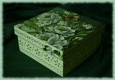 porta - treco. caixa de lembranas. multi-uso. presente ... (Staring Girl.) Tags: artesanato dcoupage handcraft mdf trabalhosmanuais pinturaemmadeira