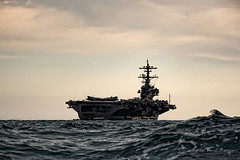 USS George H. W. Bush (CVN-77) (Cani Mancebo) Tags: españa marina spain aircraft murcia aircraftcarrier usnavy cartagena nimitz portaaviones cvn77 ussgeorgehwbush canimancebo armadaestadounidense