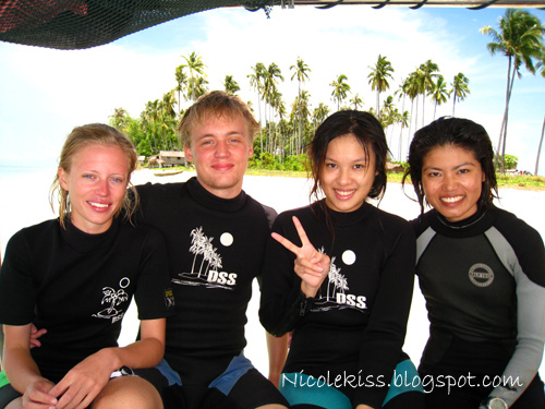 dive buddies and instructor