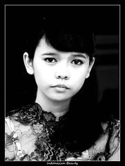 Indonesian Beauty (Malik_Braun) Tags: cute girl beauty indonesia pretty innocent 2008 indonesian mdchen eki indonesien manis schnheit beautyful cantik hbsch ekki cewek eqi hbsches indonesische