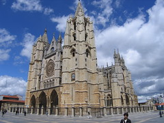 """Leon Cathedral • <a style=""""font-size:0.8em;"""" href=""""http://www.flickr.com/photos/48277923@N00/2622164937/"""" target=""""_blank"""">View on Flickr</a>"""
