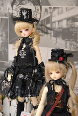Super Dollfie SD Ran (& Kurumi) (Dolly Paws) Tags: ball punk doll dolls fair super appreciation sd h lolita bjd resin dollfie volks limited edition ran jointed frill owners naoto kurumi