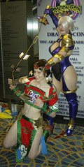 Seong Mina vs Ivy (BelleChere) Tags: costume cosplay ivy soulcalibur dc08 dragoncon2008 seongmina ivyvalentine