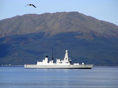 HMS Daring (Honestman28) Tags: bird water river scotland clyde ship dragon glasgow navy royal surface diamond destroyer fleet bae duncan gourock picnik warship defender daring royalnavy firthofclyde hmsdaring type45 bvt excapture thebestofday gnneniyisi duntless