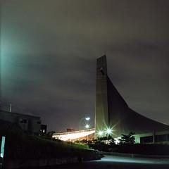 gymnasium after dark (F_blue) Tags: tokyo kodak shibuya hasselblad harajuku  500cm  portra160nc planart c8028 fblue2008