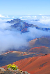 The shifting mist of Haleakala (baaktoe) Tags: mist mountain clouds volcano hawaii travels path maui hike trail haleakala crater summit haleakalanationalpark travelphotography leleiwioverlook craterhike baaktoe