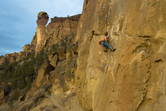 Rock Climbing - Jojo Under the Monkey Face (Amicus Telemarkorum) Tags: shirtless summer rock oregon photography climbing climber rockclimbing jojo smithrock climbers monkeyface warmweather rockclimber sportclimbing advancedyetiphotography jeffreyrueppelphotography jojosoothiboon