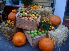 Fall display @ a sidewalk cafe.