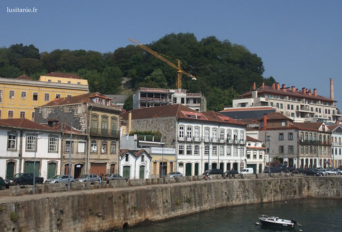 Houses by the River Douro