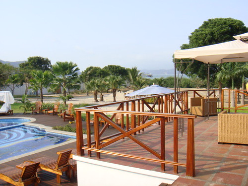 Bahia-ecuador-beach-property-poolside