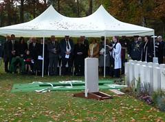 17668 Berlin War Cemetery (golli43) Tags: berlin cemetery germany soldiers westend charlottenburg wargraves secondworldwar britishsoldiers heerstrasse alliedsoldiers