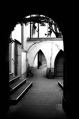Church Door (!1Can?) Tags: door bw frankfurt kirche sw tr kirchentr artlegacy
