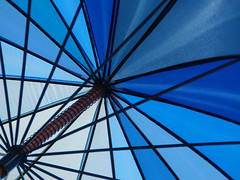 Under the parasol (Jan van der Wolf) Tags: blue blauw sunshade parasol paraplu