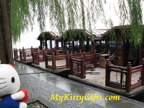 Hello Kitty's View of Tour Boats at West Lake, HangZhou