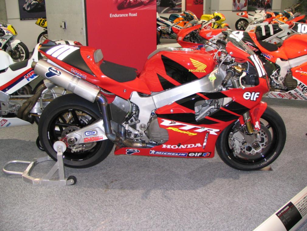 Honda 1000 VTR  SP1 / SP2 (RC51) - Page 2 3081509017_b9c47337b7_o