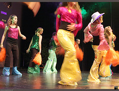 Petra-MovesKerstDansShow2008Showdance12Plus36607 (PM-dance) Tags: delicious hiphop breakdance lunetten kez d40 betterbodies petramoves dforce dinspiration dsquare kerst2008 dscrew dmovement wwwpetramovesnl pmevents kerstdansshow showdance12 dmamas jutter1 jutter2 jutter3 dennisjeffrey showdance18 hiphopmiranda iliasrikardo oopsfotosnl